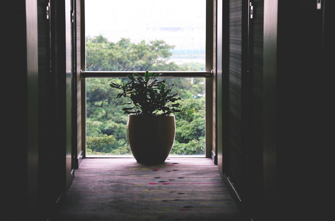 Idei de amenajare a unui balcon minimalist