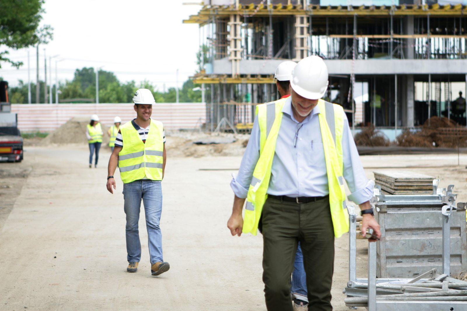 Constructori șantier Atria Resort București